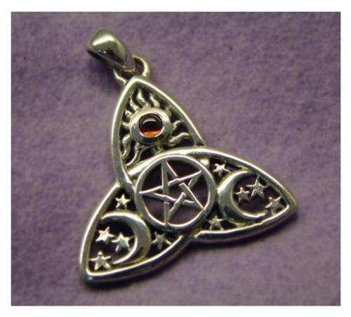Amuleto triqueta celta: la magia de los druidas para tu fortuna
