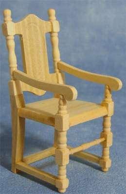 Montado de mobiliario para casita de muñecas, sillas, mesas, baúles, etc.