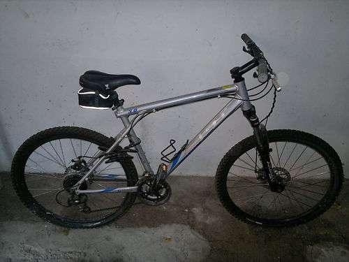 Bicicleta de montaña gt avalanche 3.0 como nueva