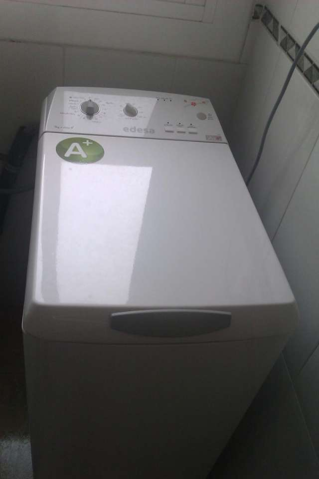 Vendo lavadora casi nueva con garantía por cambio de piso