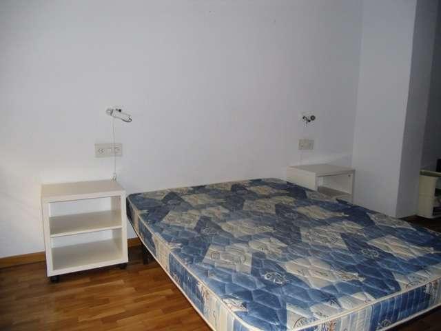 Fotos de 420? apartamento amueblado z. plaza legion española 2