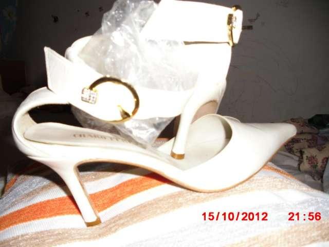 Fotos de Zapatos  de  novia  nuevos  , marca  charo  perez 3