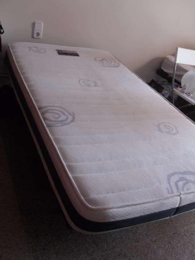 Vendo 2 camas, microondas, aspiradora, impresora y juego de copas