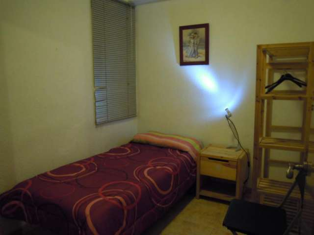 Fotos de Alquilo habitacion  para una persona 1