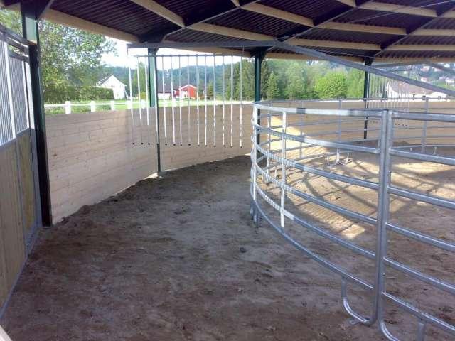 Fotos de Vallados para caminadores de caballos, equitrainer. 2