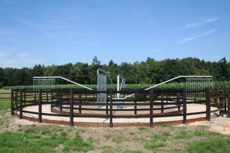 Fotos de Vallados para caminadores de caballos, equitrainer. 6