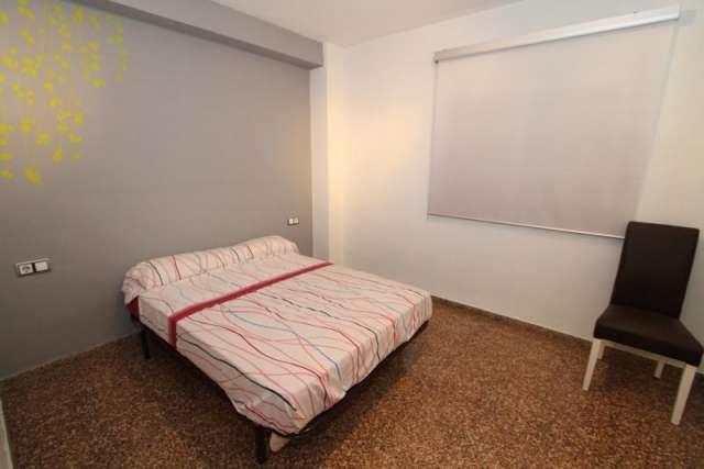 Fotos de Preciosa vivienda y plaza garaje, en avdª constitución, valencia (españa) 2