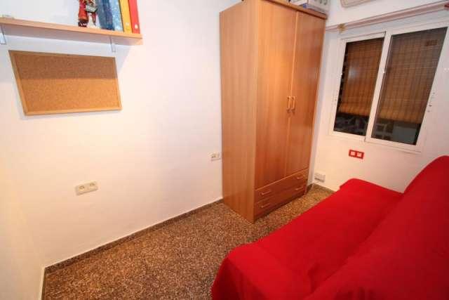 Fotos de Preciosa vivienda y plaza garaje, en avdª constitución, valencia (españa) 1