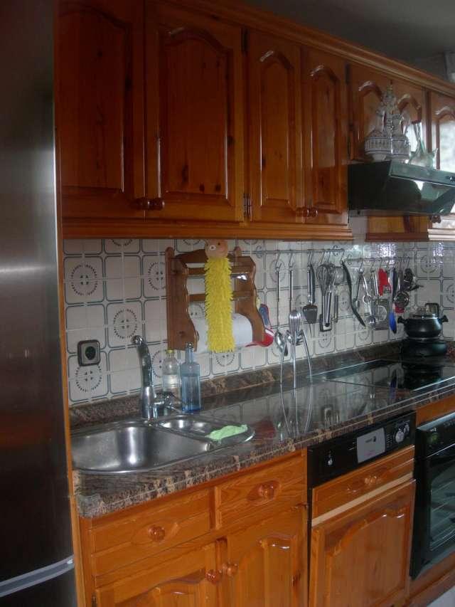 Vendo muebles de cocina de pino macizo en Tres Cantos - Muebles | 419152