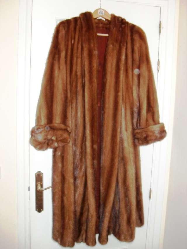 Vendo abrigos de visón y ocelote por poco uso, precio liquidacion