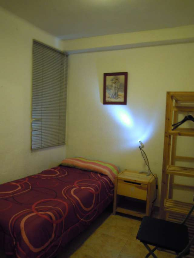 Fotos de Habitacion comoda y tranquila en piso compartido 1