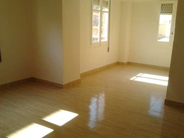 Precioso piso vacio 140m2 junto angel guimera con avda del cid