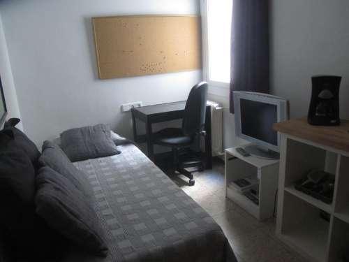 Alquiler habitación individual con estupendo baño privado en barcelona