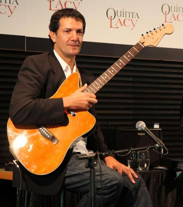 Fotos de Guitarrista para eventos (bodas, cenas, eventos corporativos) 1