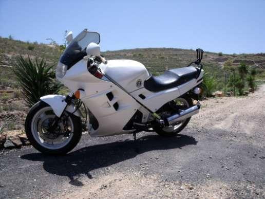 Vendo moto honda vfr 750 f muy buen estado