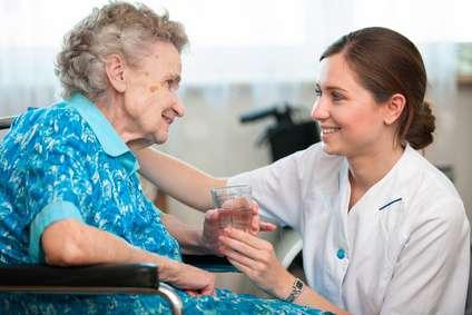 Diplomada en enfermeria española a domicilio, super económico