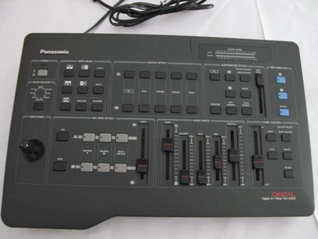 Mesa de mexcla digital av mixer wj-ave5 + generador de caracteres