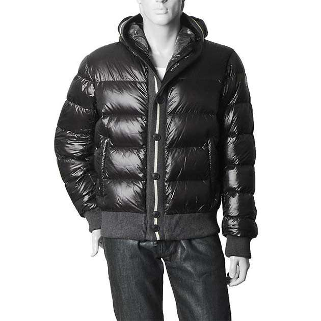 Moncler vente sortie online, cheap moncler vestes outletstockgoods.com.  Guardar. Guardar. Guardar. Guardar 4b95cbf64d6