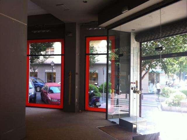 Se alquila local comercial de 225m² en barrio de salamanca
