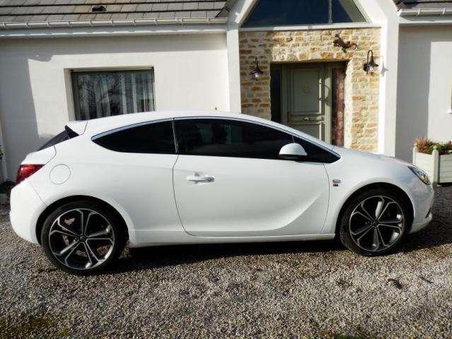Opel astra j gtc (4e generation)