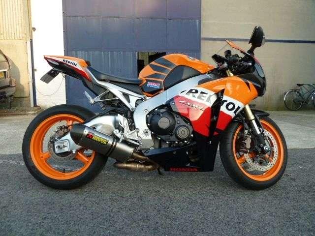 Honda cbr 1000 rr fire blade