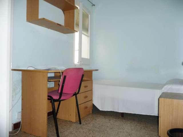Se alquilan habitaciones a estudiantes