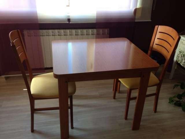 Vendo mesa comedor y dos sillas