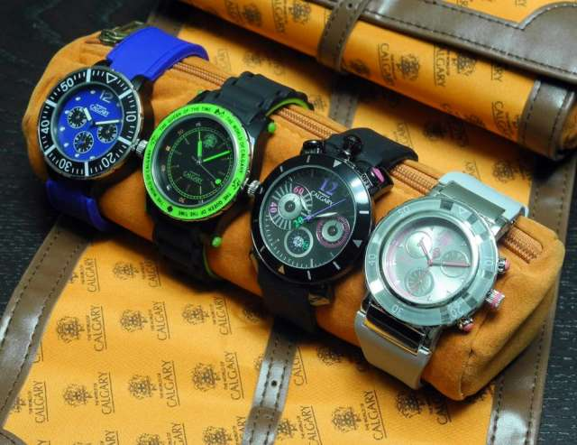 Lote 4 relojes mujer + relojero
