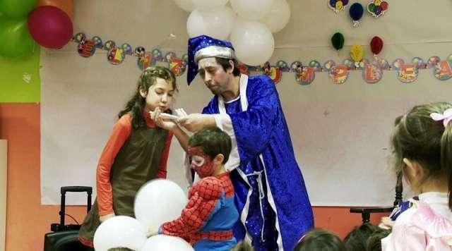 Animaciones infantiles en barcelona para fiestas de cumpleaños a domicilio comuniones