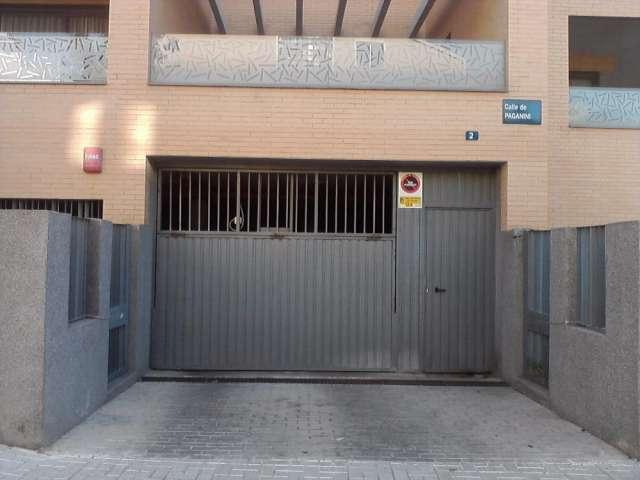 Oferta venta de garajes en málaga (malaga) zona carlos haya - avenida carlos haya 110 vendo plaza de aparcamiento junto hospital carlos haya.