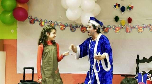 Magos payasos fiestas infantiles madrid a domicilio cumpleaños comuniones