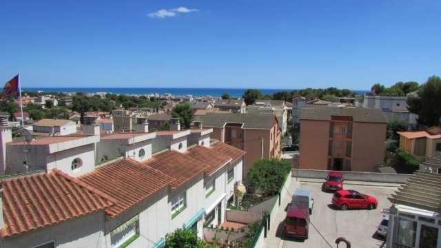 Hermosa casa 180 mt. 4/d-3/b en costa de barcelona