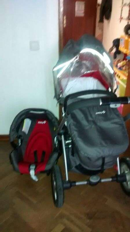 Coche de bebe marca safety duo