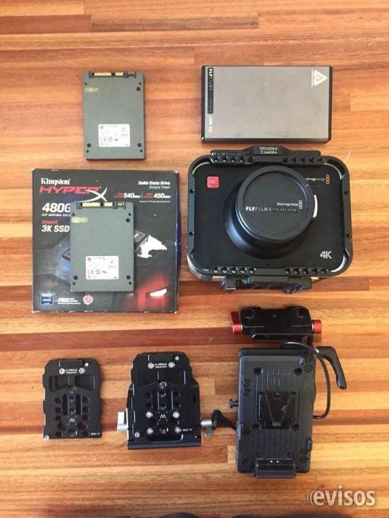 Blackmagic cinema producción 4k con jaula de madera de la cámara + de apoyo, y las tarjeta