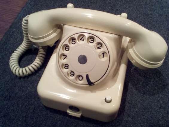 Antiguo teléfono de baquelita w48