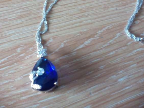 Colgante azul zafiro chapado en oro