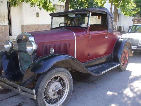Juan jose oyhamburu restaura coches antiguos y clasicos