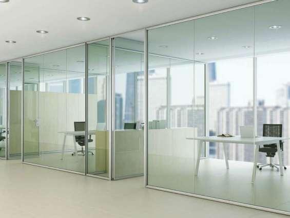 Se realiza instalaciones de mamparas de vidrio