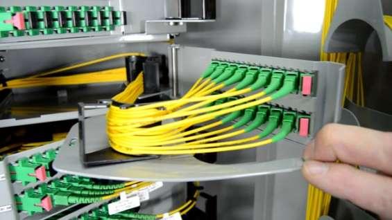 Técnico de fibra óptica (138)