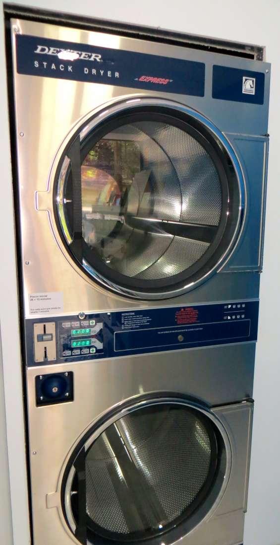 Dos secadoras individuales en torre, carga maxima 15kg