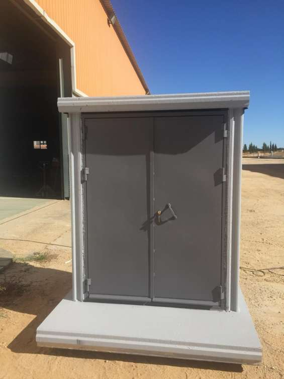 Casetas hormigón armado para guardar los programadores de riego, además de poder usarse en