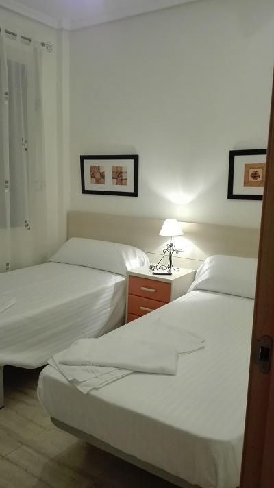 Dormitorios bien equipados, y con a/a