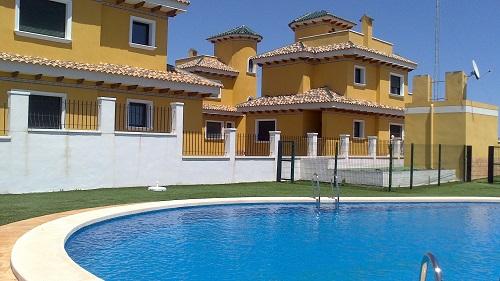 Residencial esmeralda, piscina comunitaria