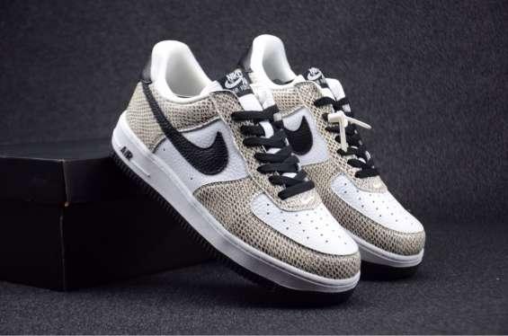 "Fotos de Nike air force 1 low premium""cocoa snake"" 4"