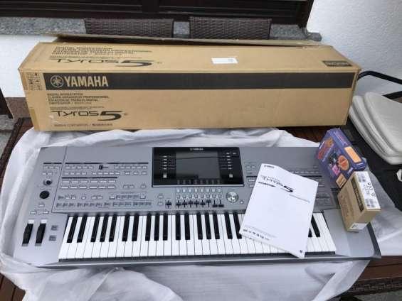 En venta yamaha tyros 5 teclado €723 euros
