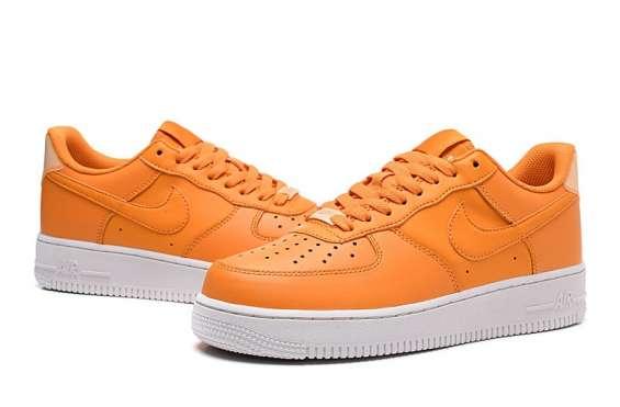 Nike air force ,rojo y naranja zapatilla