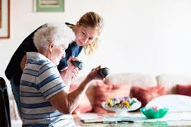 Se necesitan auxiliares de ayuda a domicilio (429)