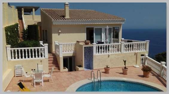 Ocasion villa de lujo con garaje y piscina y vistas al mar