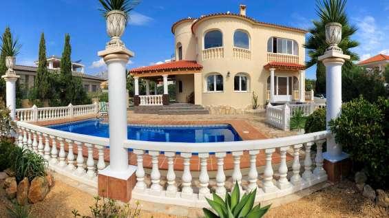 Ocasion villa de lujo con parking y piscina y vistas