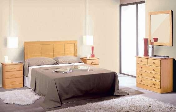 Dormitorio macizo en color miel nuevo de fabrica
